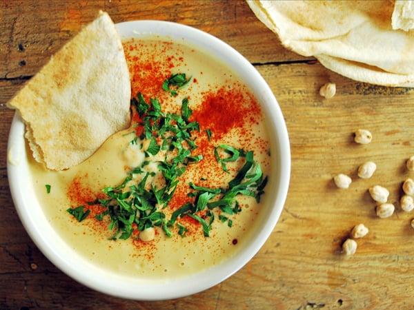 Receta de hummus su sabor es espectacular, es fácil de hacer, transportar y es realmente sano.